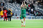 Stockholm 2015-02-16 Fotboll Tr&auml;ningsmatch Hammarby IF - LA Galaxy :  <br /> Hammarbys M&aring;ns S&ouml;derqvist med ett bandage &ouml;ver h&ouml;ger kn&auml; appl&aring;derar mot Hammarbys supportrar efter matchen mellan Hammarby IF och LA Galaxy <br /> (Foto: Kenta J&ouml;nsson) Nyckelord:  Fotboll Tr&auml;ningsmatch Tele2 Arena Hammarby HIF Bajen Los Angeles LA Galaxy  portr&auml;tt portrait skada skadan ont sm&auml;rta injury pain