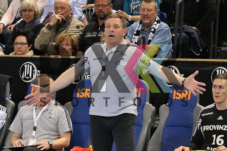 Kiel, 20.05.15, Sport, Handball, DKB Handball Bundesliga, Saison 2014/2015, THW Kiel - GWD Minden : Alfred Gislason(THW Kiel Trainer)<br /> <br /> Foto &copy; P-I-X.org *** Foto ist honorarpflichtig! *** Auf Anfrage in hoeherer Qualitaet/Aufloesung. Belegexemplar erbeten. Veroeffentlichung ausschliesslich fuer journalistisch-publizistische Zwecke. For editorial use only.