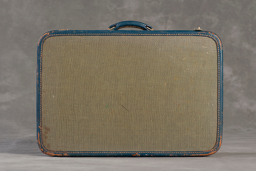 Willard Suitcases / Helen R / ©2014 Jon Crispin
