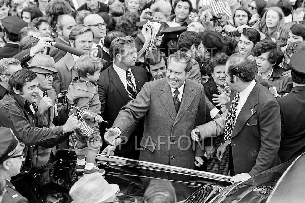 22 Oct 1972. Republican President Richard Nixon campaigning in the New York suburbs with his wife Thelma Catherine Patricia Ryan Nixon for re-election against the Democratic candidate Senator George McGovern for Presidency.