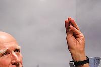 SAO PAULO, SP, 03.09.2013 - COLETIVA SEBASTIAO SALGADO - O fotografo Sebastiao Salgado durante entrevista coletiva sobre a mostra Genesis no Sesc Belenzinho nesta terça-feira, 03. A mostra tem curadoria de Lelia Wanick Salgado, visitacao de 5 de setembro a 1 de dezembro. (Foto: William Volcov / Brazil Photo Press).