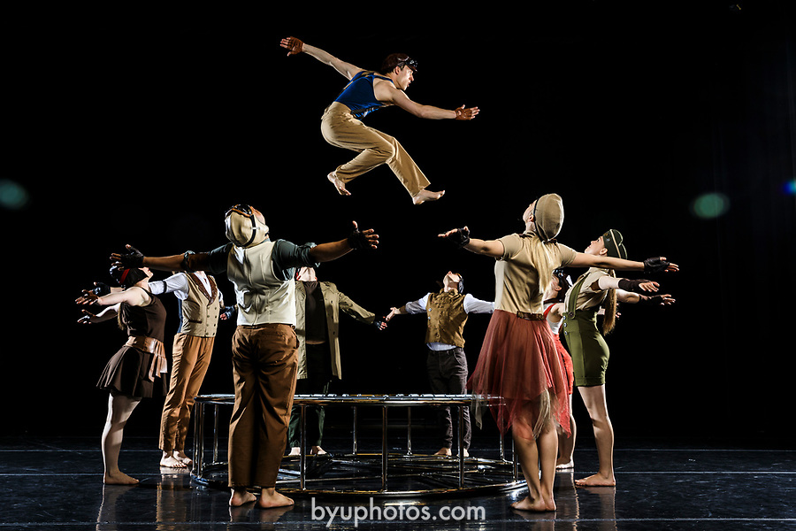 _RE_4262<br /> <br /> 1704-28 Contemporary Dance Photoday<br /> <br /> April 17, 2017<br /> <br /> Photography by Nate Edwards/BYU<br /> <br /> &copy; BYU PHOTO 2016<br /> All Rights Reserved<br /> photo@byu.edu  (801)422-7322