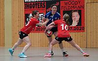 Nathalie Schäfer (Walldorf) wird gehalten - Mörfelden-Walldorf 09.02.2020: TGS Walldorf vs. TGB Darmstadt, Sporthalle