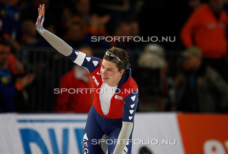 Duitsland, Berlijn, 9 februari 2008 .WK schaatsen allround 2008  .Sven Kramer van Nederland zwaait naar het publiek na afloop van zijn rit op de 500 meter..