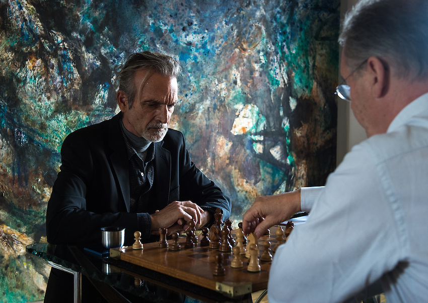 Stephen Lyman, musician, specialist of the Bach Lute Suites, playing chess with Robert Lipscomb in Robert's flat at  18 Quai du Louvre, Paris. Friday 12th October 2012.