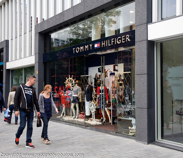 High order shopping Tommy Hilfiger shop Rotterdam, Netherlands