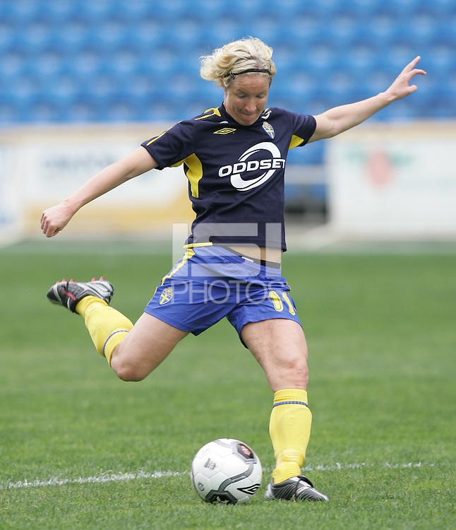 MAR 15, 2006: Faro, Portugal:  Victoria Svensson