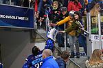 Torwart Jochen Reimer (Nr.32 - ERC Ingolstadt) klatscht beim Verlassen der Saturn Arena mit Fans ab beim Spiel in der DEL, ERC Ingolstadt (dunkel) - Duesseldorfer EG (hell).<br /> <br /> Foto © PIX-Sportfotos *** Foto ist honorarpflichtig! *** Auf Anfrage in hoeherer Qualitaet/Aufloesung. Belegexemplar erbeten. Veroeffentlichung ausschliesslich fuer journalistisch-publizistische Zwecke. For editorial use only.