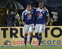 BOGOTÁ -COLOMBIA, 26-12-2012. Jugadores de Millonarios celebran un gol en contra de Pasto durante partido válido por la sexta fecha de la Liga Postobón 2013-1 jugado en el estadio el Campín de la ciudad de Bogotá./ Millonarios players celebrate a goal against Pasto during match valid for the 6th date of the Postobon League II 2013 played at El Campin stadium in Bogotá city. Photo: VizzorImage/Gabriel Aponte/STR
