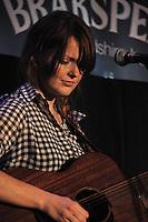 Jess Morgan, Cross Keys stage, Bunkfest, 2014, Wallingford.