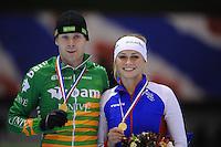 SCHAATSEN: HEERENVEEN: IJsstadion Thialf, 02-01-2013, Seizoen 2012-2013, KPN NK Mass-Start, Nederlands kampioenen Arjan Stroetinga en Irene Schouten, ©foto Martin de Jong