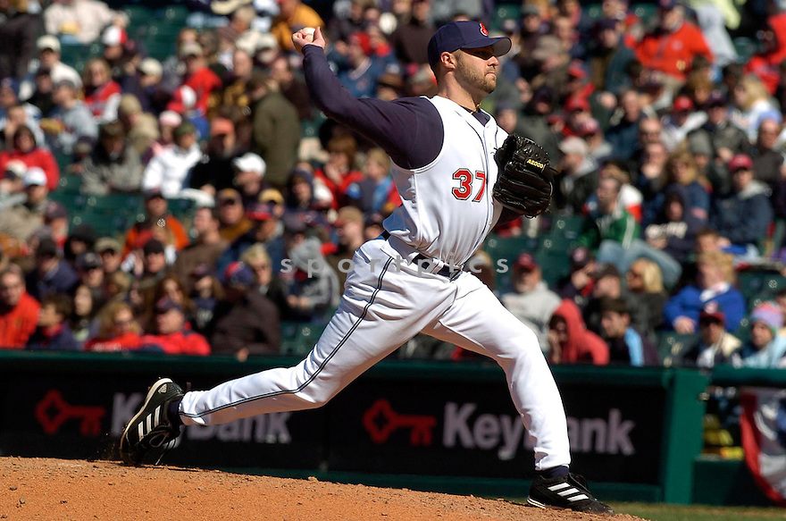 Jake Westbrook of the Cleveland Indians, in action against the Twins on April 9, 2006...Indians win 3-2..David Durochik / SportPics