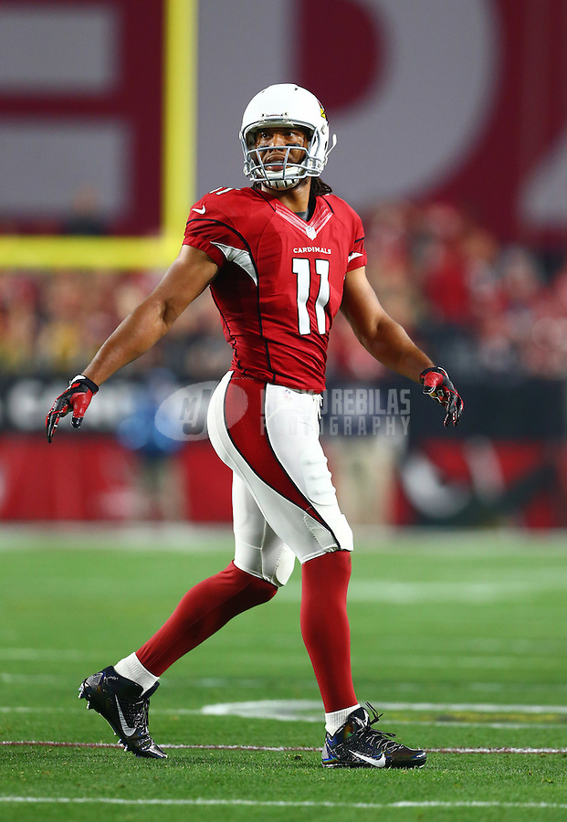 Jan 16, 2016; Glendale, AZ, USA; Arizona Cardinals wide receiver Larry Fitzgerald (11) against the Green Bay Packers during an NFC Divisional round playoff game at University of Phoenix Stadium. Mandatory Credit: Mark J. Rebilas-USA TODAY Sports