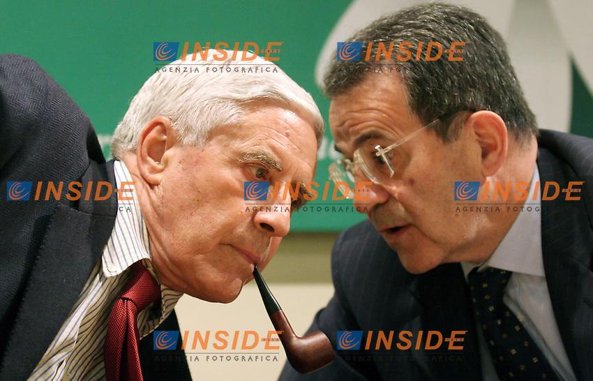 Roma, 27/04/2006 Margherita:Assemblea dei Neo-Eletti con Romano Prodi<br /> Nella foto il candidato alla presidenza del Senato Franco Marini e Romano Prodi<br /> Photo Serena Cremaschi Insidefoto