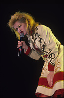 CHICAGO, ILLINOIs - DECEMBER 9 , 1986: Cyndi Lauper performing at The UIC Pavillion in Chicago, Illinois on December 9, 1986.<br /> CAP/MPI/GA<br /> &copy;GA/MPI/Capital Pictures