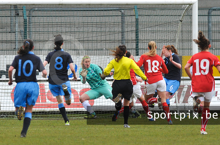 UEFA Women's Under 17 Championship - Second Qualifying round - group 1 : England - Switzerland : .Zwitserland scoort de 0-1.foto DAVID CATRY / Vrouwenteam.be