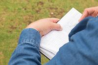 Biologists and amateurs compare their notes after the conclusion of the walk for bird watching at the National School of Higher Studies (ENES) in the municipality of Morelia, Michoacán. .<br /> (Photo: AdidJimenez / nortephoto.com)<br /> <br /> Biólogos y aficionados comparan sus notas luego de concluida la caminata para la observación de aves en la Escuela Nacional de Estudios Superiores (ENES) en el municipio de Morelia, Michoacán. .<br /> (Photo: AdidJimenez/nortephoto.com)