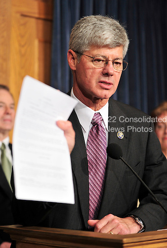United States Representative Bart Stupak (Democrat of Michigan) holds his copy of the Presidential Executive Order as he announces his support of the health care reform bill in the U.S. Capitol in Washington, D.C. on Sunday, March 21, 2010.  His positive vote is the result of a deal with U.S. President Barack Obama that preserves the existing ban on federal funding of abortion by executive order..Credit: Ron Sachs / CNP.(RESTRICTION: NO New York or New Jersey Newspapers or newspapers within a 75 mile radius of New York City)