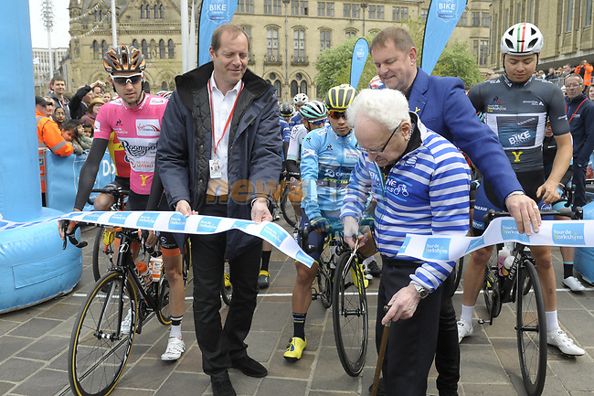 Race organiser Gary Verity and Christian Prudhomme ASO cut the ribon to start Stage 3 of the Tour de Yorkshire 2017 running 194.5km from Bradford/Fox Valley to Sheffield, England. 30th April 2017. <br /> Picture: ASO/P.Ballet | Cyclefile<br /> <br /> <br /> All photos usage must carry mandatory copyright credit (&copy; Cyclefile | ASO/P.Ballet)