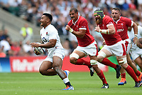 Manu Tuilagi of England goes on the attack. Quilter International match between England and Wales on August 11, 2019 at Twickenham Stadium in London, England. Photo by: Patrick Khachfe / Onside Images