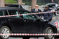 Daniel Craig<br /> Roma 21-02-2015 Colosseo. Terzo giorno di riprese sul set del nuovo film 007 dal titolo Spectre. Daniel Craig in questa sequenza guida la sua Aston Martin dal Colosseo al Circo Massimo<br /> Third day on the set of the new film of James Bond, 007, titled Spectre, shot in Rome. In this shot, Daniel Craig/007 drives his Aston Martin from Coliseum to Circus Maximus<br /> Photo Samantha Zucchi Insidefoto