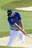 Marc Leishman (AUS) chips into the 16th green from a bunker during Thursday's Round 1 of the 118th U.S. Open Championship 2018, held at Shinnecock Hills Club, Southampton, New Jersey, USA. 14th June 2018.<br /> Picture: Eoin Clarke | Golffile<br /> <br /> <br /> All photos usage must carry mandatory copyright credit (&copy; Golffile | Eoin Clarke)
