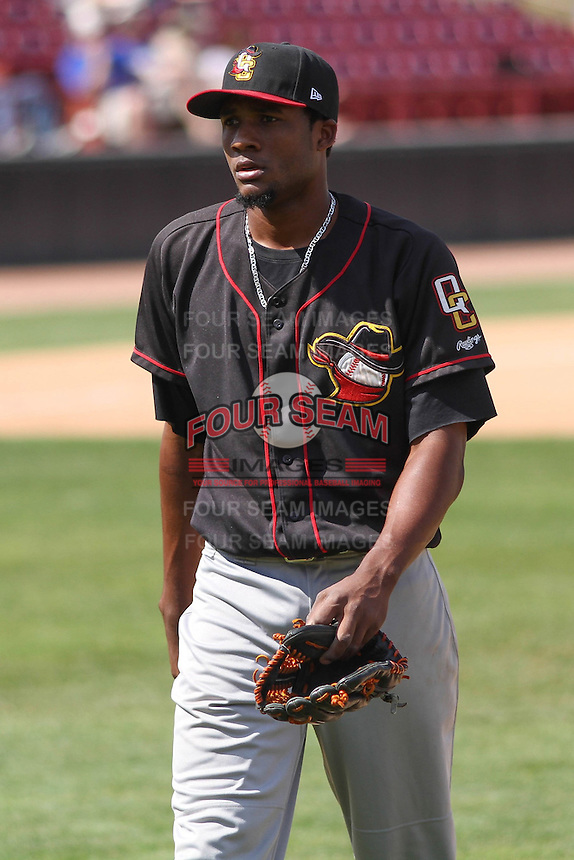 Quad Cities River Bandits pitcher Reymin Guduan (21) during a game against the Wisconsin Timber Rattlers on May 2nd, 2015 at Fox Cities Stadium in Appleton, Wisconsin.  Quad Cities defeated Wisconsin 5-2.  (Brad Krause/Four Seam Images)
