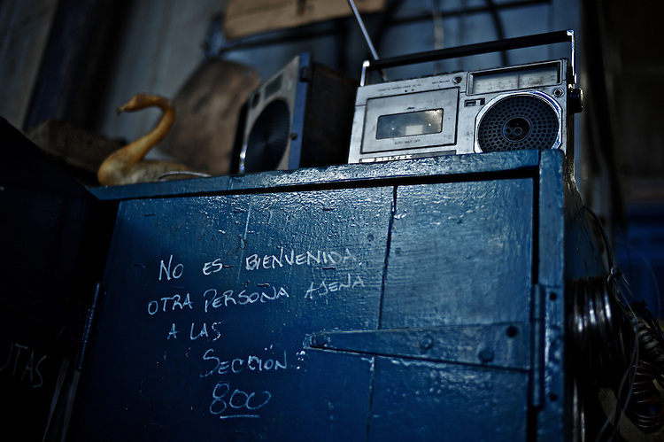 It's not welcomed any person not belonging to section 800.  Legend in one of the newer areas of the Penarol (Montevideo, Uruguay) railroad workshop.
