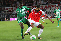 BOGOTÁ- COLOMBIA, 29-10-2019:Jefferson Duque (Der.) jugador del Independiente Santa Fe    disputa el balón contra Helibelton Palacios (Izq.) jugador del Atlético Nacional durante partido por la fecha 20 de la Liga Águila II  2019 jugado en el estadio Nemesio Camacho El Campín  de la ciudad de Bogotá. /  Duque(R) player of Independiente Santa Fe  fights for the ball  against of Helibelton Palacios (L) player of Atletico Nacional during the match for the date 20 of the Liga Aguila II 2019 played at the Nemesio Camacho El Campin  stadium in Bogota city. Photo: VizzorImage / Felipe Caicedo / Staff