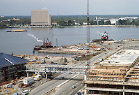 1983 April 18..Redevelopment.Downtown South (R-9)..WATERSIDE.CONSTRUCTION PROGRESS.TOWN POINT PARK...NEG#.NRHA#..