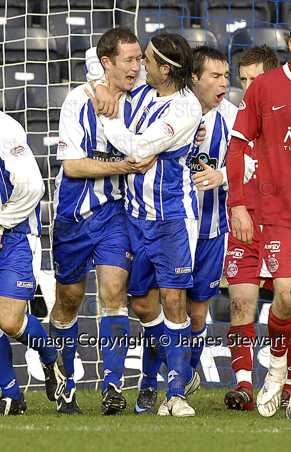 24/02/2008    Copyright Pic: James Stewart.File Name : sct_jspa07_kilmarnock_v_aberdeen.FRAZER WRIGHT CELEBRATES AFTER HE SCORES KILMARNOCK'S SECOND.James Stewart Photo Agency 19 Carronlea Drive, Falkirk. FK2 8DN      Vat Reg No. 607 6932 25.Studio      : +44 (0)1324 611191 .Mobile      : +44 (0)7721 416997.E-mail  :  jim@jspa.co.uk.If you require further information then contact Jim Stewart on any of the numbers above........