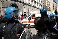 NAPOLI MANIFESTAZINE DELLA CONFCOMMERCIO  CONTRO I DISPOSITIVI ZTL DEL SINDACO DE MAGISTRIS.FOTO CIRO DE LUCA