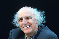 Gilles VIGNEAULT<br /> 1997<br /> Photo : CISFR-DALLE<br /> 9802U
