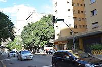 SAO PAULO, 11 DE MARCO DE 2013 - SEMAFORO APAGADO - Semaforo localizado na rua Martins Fontes, regiao central apresenta problemas de funcionamento devido as chuvas que atingiram a capital nos últimos dois dias. (FOTO: ALEXANDRE MOREIRA / BRAZIL PHOTO PRESS)