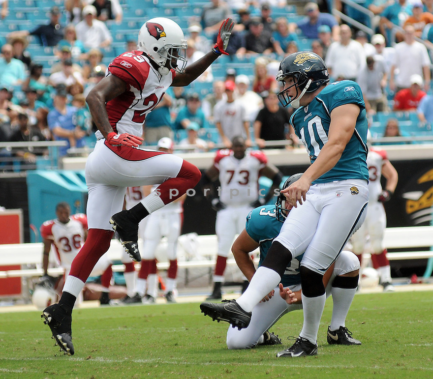JOSH SCOBEE,of the Jacksonvile Jaguarss , in action during the Jaguars game against the Arizona Cardinalss on September 20, 2009 Jacksonvile, FL.  The Cardinals beat the Jaguars 31-17.