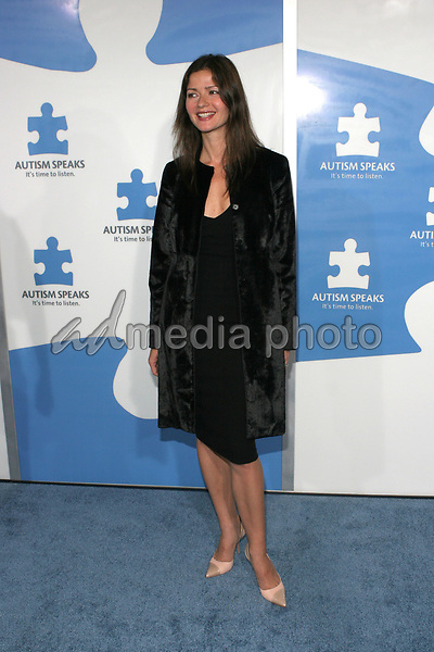 "24 September 2005 - Hollywood, California - Jill Hennessy.  Jerry Seinfeld and Paul Simon Perform ""One Night Only: A Concert for Autism Speaks"" - Arrivals held at the Kodak Theatre.  Photo Credit: Zach Lipp/AdMedia"