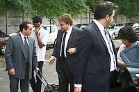 SAO PAULO, SP, 19 DE JANEIRO 2013 - JULGAMENTO GIL RUGAI - O acusado Gil Rugai, chega ao Fórum Criminal da Barra Funda, na zona oeste de São Paulo, nesta terça-feira (19), para o segundo dia de seu julgamento. Gil é acusado de matar o pai, Luiz Carlos Rugai, e a madrasta, Alessandra de Fátima Troitino, em 28 de março de 2004. FOTO: MAURICIO CAMARGO - BRAZIL PHOTO PRESS.