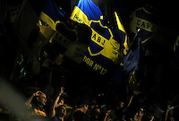 BUENOS AIRES, ARGENTINA, 13  FEVEREIRO 2013 - COPA LIBERTADORES - BOCA JUNIOR X TOLUCA - Torcedores do Boca Juniors durante partida contra o Toluca do Méxica em partida pela primeira rodada do Grupo da Taça Libertadores da América no Estadio La Bombonera em Buenos Aires na Argentina nesta quarta-feira, 13. (FOTO: JUANI RONCORONI / BRAZIL PHOTO PRESS).