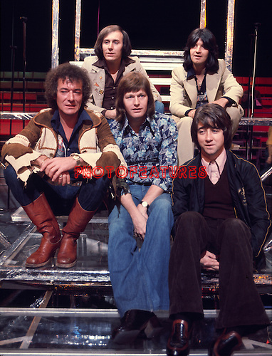 Hollies 1975 Bernie Calvert Terry Sylvester Allan Clarke Bobby Elliott Tony Hicks<br /> &copy; Chris Walter