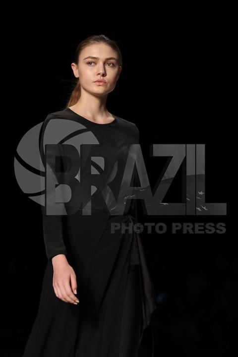 BELO HORIZONTE, MG,07.10.2015- MINAS-TREND - Modelo durante desfile da grife Plural na 17ª edição do Minas Trend, no Expominas, em Belo Horizonte (MG), nesta terça-feira, 07. (Foto: Doug Patricio / Brazil Photo Press).
