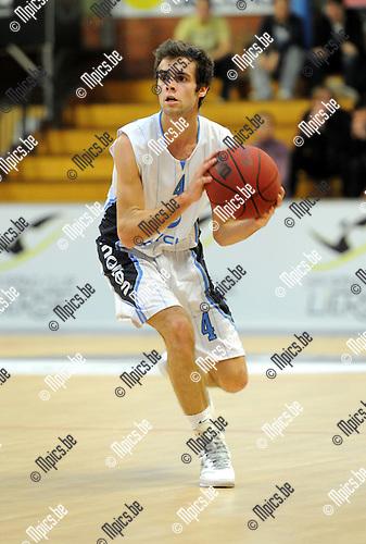 11-11-20 / Basketbal / seizoen 2011-2012 / Kabo 2 - Pitzemburg / Miguel Gonzalez..Foto: Mpics
