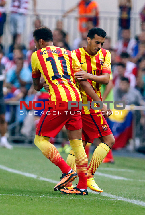 FC Barcelona's Neymar Santos Jr (l) and Pedro (r) during Supercup of Spain 1st match.August 21,2013. Foto © nph / Victor Blanco)