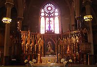 June 30, 2012   Alec Baldwin and Hilaria Thomas Wedding Day  Basilica of St. Patrick's Old Cathedral in Little Italy in New York City.Credit:© RW/MediaPunch Inc. /*NORTEPHOTO.COM*<br /> *SOLO*VENTA*EN*MEXiCO* *CREDITO*OBLIGATORIO** *No*Venta*A*Terceros* *No*Sale*So*third* ***No Se*Permite*Hacer*Archivo** *No*Sale*So*third*©Imagenes con derechos de autor,©todos reservados. El uso de las imagenes está sujeta de pago a nortephoto.com El uso no autorizado de esta imagen en cualquier materia está sujeta a una pena de tasa de 2 veces a la normal. Para más información: nortephoto@gmail.com* nortephoto.com.