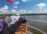Rejs statkiem wycieczkowym po jeziorze Rospuda, Augustów, Polska<br /> Cruise trip on Rospuda Lake, Augustów, Poland
