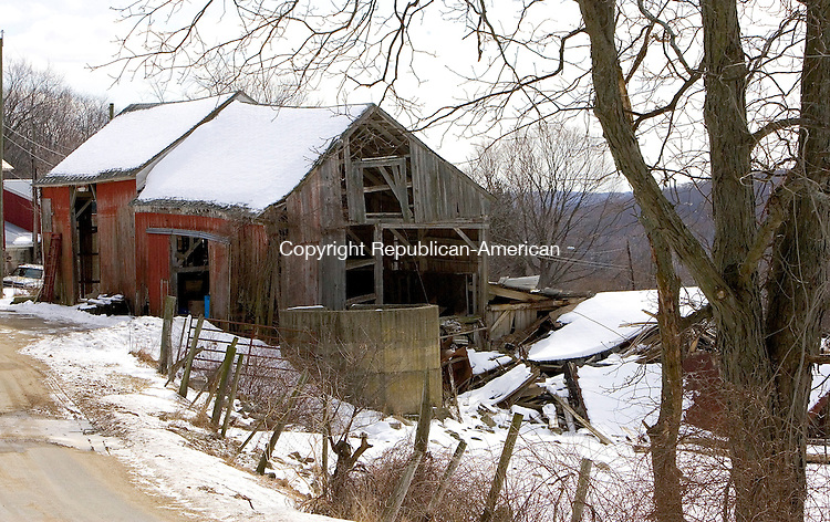 WARREN, CT. 28 February 2008-022808SV03--Nutmeg acres dairy farm has a few old barns in need of major repair in Warren. This old barn is falling down around itself.<br /> Steven Valenti Republican-American