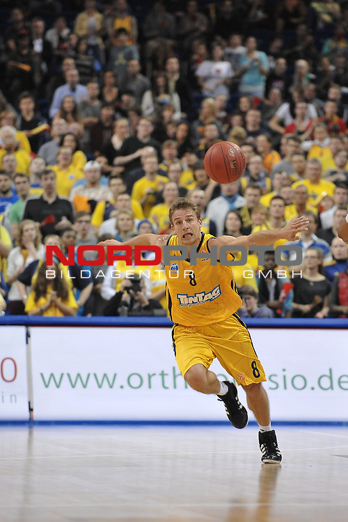 18.10.2012, O2 World, Berlin, GER, EL (Turkish Airlines Euroleague), Alba Berlin vs. Elan Chalon im Bild Heiko Schaffartzik (ALBA Berlin) Aktion/Action<br /> <br /> Foto &copy; nph / Schulz *** Local Caption ***