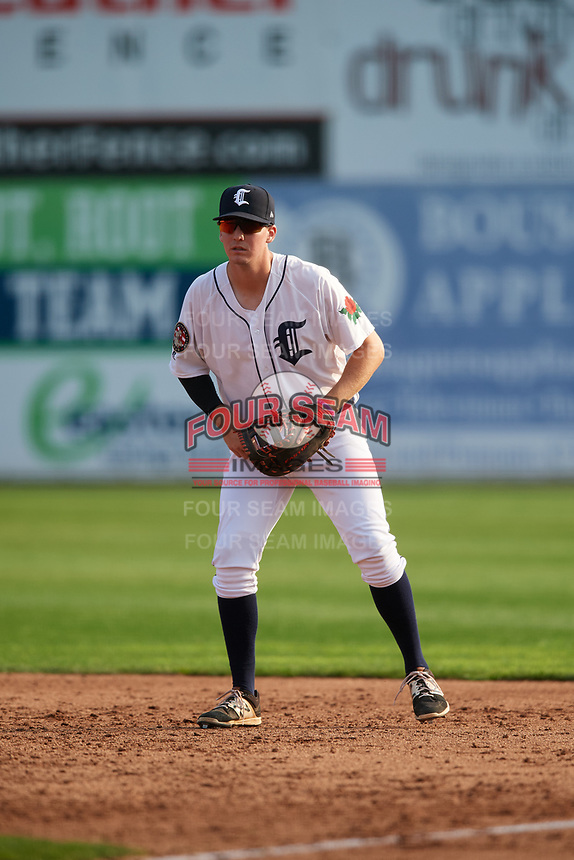 Connecticut Tigers first baseman Jordan Verdon (27) during a game against the Lowell Spinners on August 26, 2018 at Dodd Stadium in Norwich, Connecticut.  Connecticut defeated Lowell 11-3.  (Mike Janes/Four Seam Images)