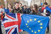Am Samstag den 3. November 2018 veranstaltete das Erasmus Studentennetzwerk Deutschland e.V. mit mehreren hundert internationalen Erasmus-Studentinnen und Studenten in Berlin eine &quot;Flaggenparade zur europaeischen Integration&quot;. Mit der Parade wollten die jungen Menschen fuer den interkulturellen Austausch und gegen nationale Grenzen demonstrieren.<br /> Im Bild vlnr. : Die Studenten Joshua aus London und Emma aus Frankreich stehen zusammen mit dem britischen Union Jack und der Europafahne. Sie halten den Brexit fuer einen grossen Fehler.<br /> 3.11.2018, Berlin<br /> Copyright: Christian-Ditsch.de<br /> [Inhaltsveraendernde Manipulation des Fotos nur nach ausdruecklicher Genehmigung des Fotografen. Vereinbarungen ueber Abtretung von Persoenlichkeitsrechten/Model Release der abgebildeten Person/Personen liegen nicht vor. NO MODEL RELEASE! Nur fuer Redaktionelle Zwecke. Don't publish without copyright Christian-Ditsch.de, Veroeffentlichung nur mit Fotografennennung, sowie gegen Honorar, MwSt. und Beleg. Konto: I N G - D i B a, IBAN DE58500105175400192269, BIC INGDDEFFXXX, Kontakt: post@christian-ditsch.de<br /> Bei der Bearbeitung der Dateiinformationen darf die Urheberkennzeichnung in den EXIF- und  IPTC-Daten nicht entfernt werden, diese sind in digitalen Medien nach &sect;95c UrhG rechtlich geschuetzt. Der Urhebervermerk wird gemaess &sect;13 UrhG verlangt.]