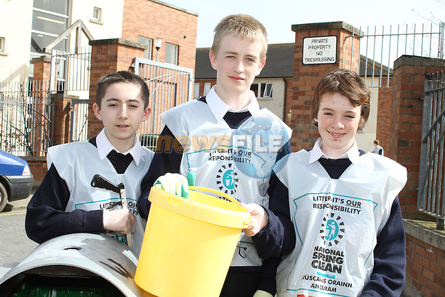 St Mary's students, Leon Hughes, Stephen Moore and Cal McKenna taking part in National Spring Clean Week...(Photo credit should read Jenny Matthews www.newsfile.ie)....This Picture has been sent you under the conditions enclosed by:.Newsfile Ltd..The Studio,.Millmount Abbey,.Drogheda,.Co Meath..Ireland..Tel: +353(0)41-9871240.Fax: +353(0)41-9871260.GSM: +353(0)86-2500958.email: pictures@newsfile.ie.www.newsfile.ie.