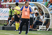 SANTA MARTA - COLOMBIA, 01-06-2019: Jorge Luis Pinto técnico de Millonarios gesticula durante el partido por la fecha 5, cuadrangulares semifinales, de la Liga Águila I 2019 entre Unión Magdalena y Millonarios jugado en el estadio Sierra Nevada de la ciudad de Santa Marta. / Jorge Luis Pinto coach of Millonarios gestures during match for the date 5 of the semifinal quadrangular as part Aguila League I 2019 between Union Magdalena and Millonarios played at Sierra Nevada stadium in Santa Marta city. Photo: VizzorImage / Gustavo Pacheco / Cont